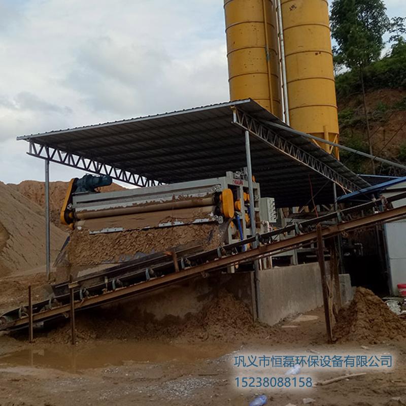 山西省浙江李总洗沙场2000型带式压滤机工作现场